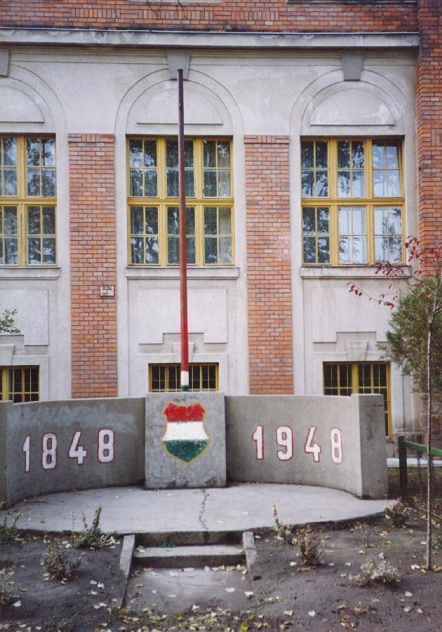 '48-as emlékmű